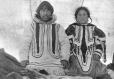 Aivilingmiut man and wife, Igluligaarjuk (Chesterfield Inlet), NU, 1920 (MP-1984.126.125)